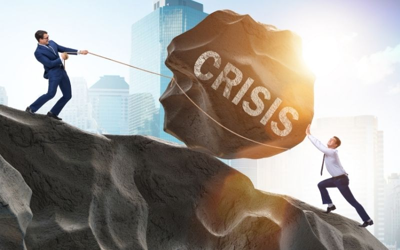 how to handle business crisis